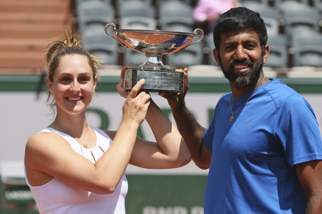 La Canadienne Gabriela Dabrowski et l'Indien Rohan Bopanna... (Photo David Vincent, AP)