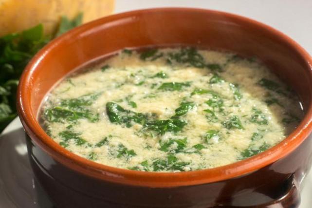 La stracciatella est une soupe aux oeufs et... (Photo Guillaume Pouliot, fournie par les Éditions Marcel Broquet)