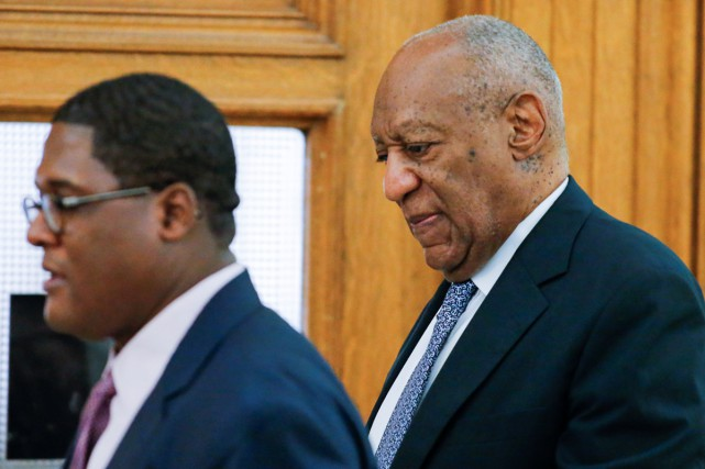 Bill Cosby à son arrivée au tribunal de... (PHOTO REUTERS)