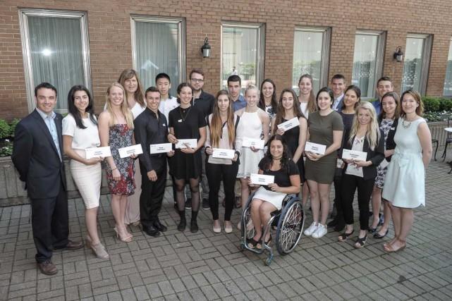 Vingt-deux étudiants-athlètes émérites se sont partagé 80000 $... (Photo Groupe NH Photographes)