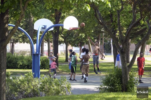 Le parc de la Jeunesse, situé à l'angle... (Le Soleil, Jean-Marie Villeneuve)