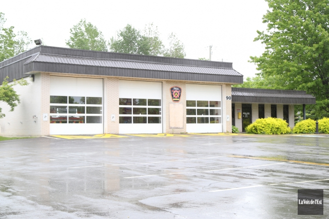 Le service des incendies possède trois casernes, dont... (Janick Marois, La Voix de l'Est)