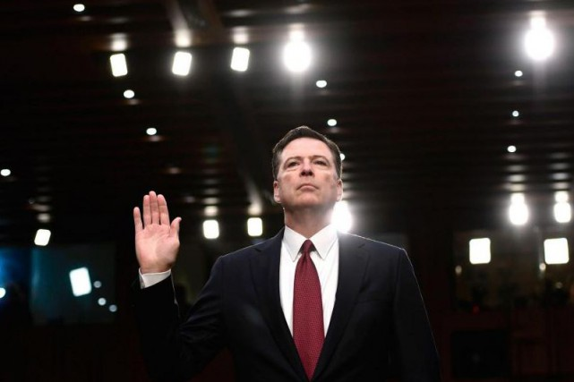 L'ex-directeur du FBI James Comey a dépeint le... (PHOTO AFP)