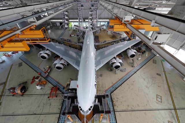 Le carnet de commandes d'Airbus ressort à 6705appareils... (Photo Philippe Wojazer, archives REUTERS)