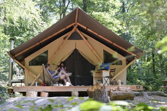 La Trappeur peut accueillir jusqu'à cinq personnes. Elle... (Photo fournie par Huttopia)