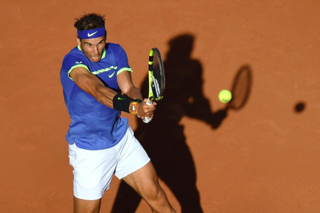 Rafael Nadal a dominé facilement le jeune Autrichien Dominic... (Photo CHRISTOPHE SIMON, AFP)