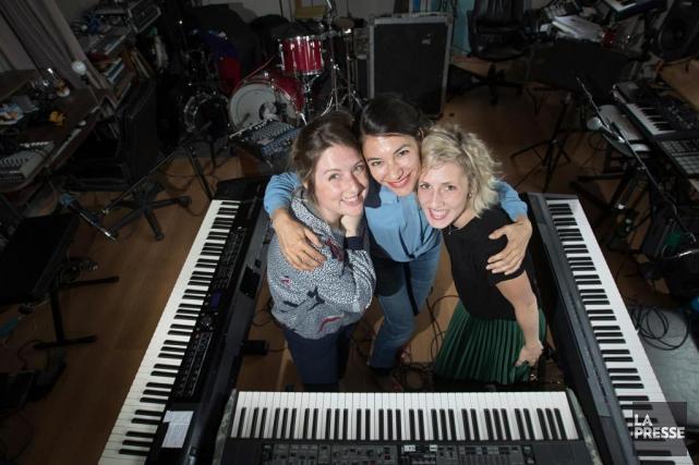 Le trioFanny Bloom, Delphine Coutant et Ingrid St-Pierre... (PHOTO IVANOH DEMERS, LA PRESSE)