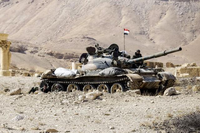 Un char d'assaut T-62 de l'armée syrienne.... (photo archives AFP)