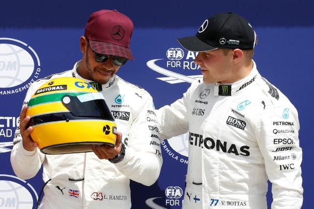 Lewis Hamilton et Valtteri Bottas, les pilotes de... (Photo Chris Wattie, Reuters)