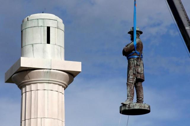 La statue du chef des armées des États... (PHoto Jonathan Bachman, archives Reuters)