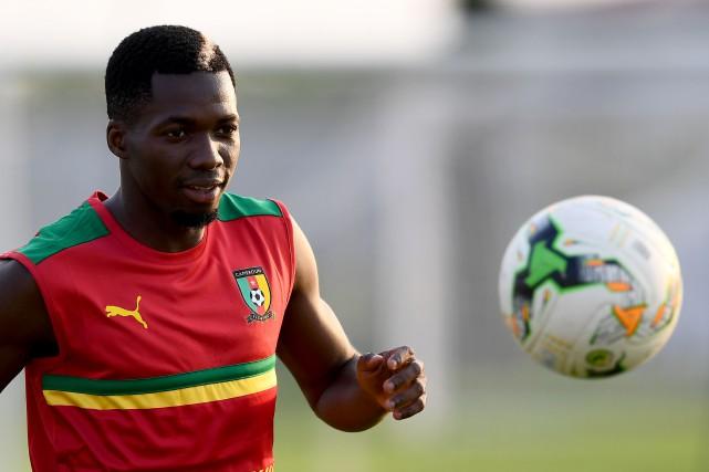 Ambroise Oyongo pourrait être absent pour sept mois.... (Photo GABRIEL BOUYS, AFP)