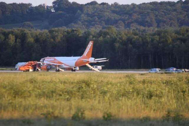 Aucun explosif n'a été découvert dans l'avion d'EasyJet... (PHOTO AP)
