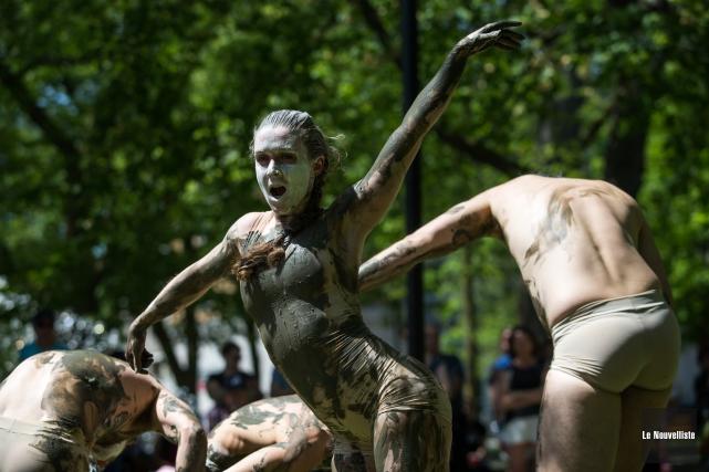 La troupe Fleuve Espace Danse a présenté un... (Olivier Croteau, Le Nouvelliste)
