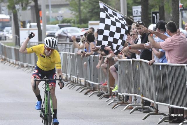 Steve Fisher (Canyon Bicycles) est le nouveau monarque... (Photo Le Quotidien, Michel Tremblay)