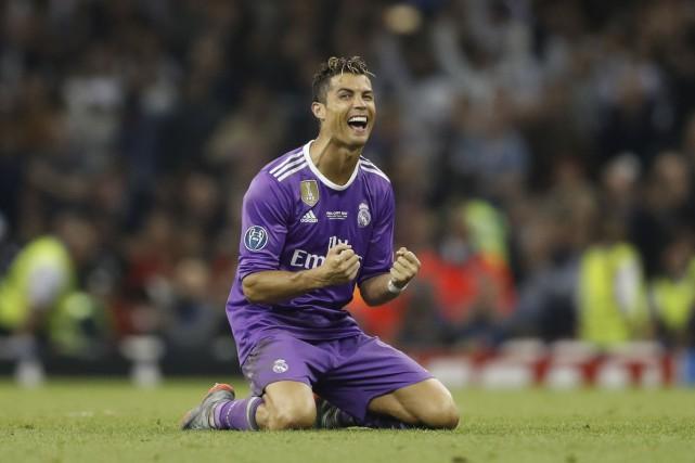 Cristiano Ronaldose retrouve pour la deuxième année consécutive... (REUTERS)
