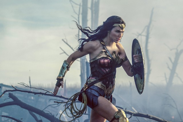Gal Gadot incarne Wonder Woman dans la nouvelle... (AP)