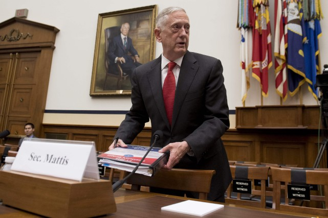 James Mattis s'est exprimé lundi devant la commission... (PHOTO AFP)