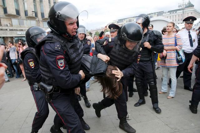 Plus de 700 personnes ont été arrêtées à... (AFP, Maxim Zmeyev)