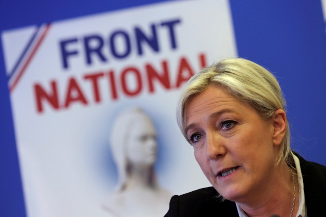 Marine Le Pen... (PHOTO Philippe Wojazer, archives REUTERS)