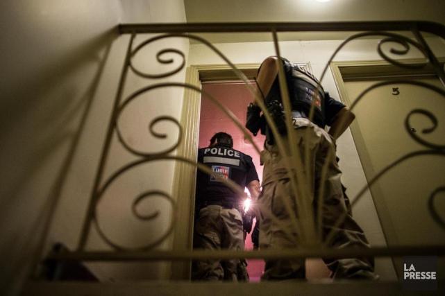 Les contacts des policiers montréalais avec les autorités... (PHOTO EDOUARD PLANTE-FRÉCHETTE, ARCHIVES LA PRESSE)