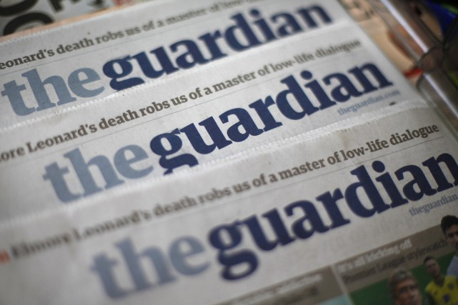 Le quotidien britannique The Guardian va passer au format tabloïd... (PHOTO ARCHIVES REUTERS)