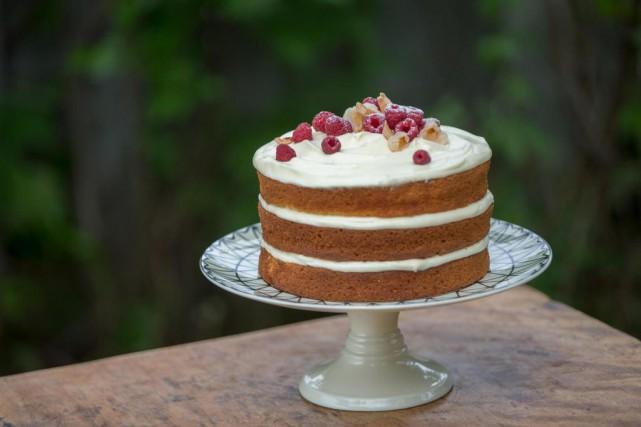 Gâteau aux framboises et aux litchis... (Photo Olivier Jean, La Presse)