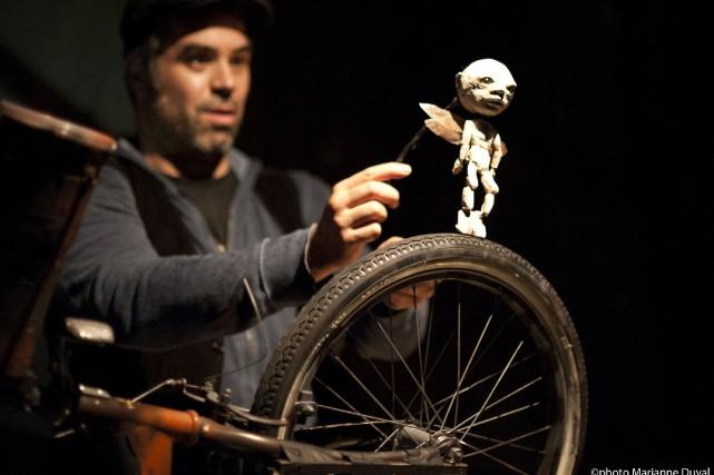 Jacob Brindamour est le seul artiste sur scène... (Photo fournie par Marianne Duval)