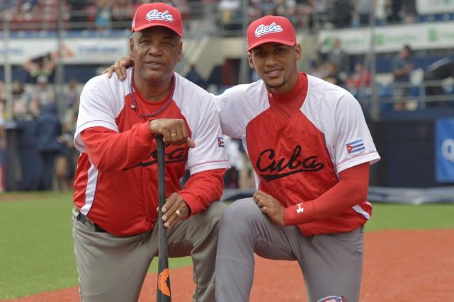 Victor Mesa Jr en compagnie de son père,... (Le Soleil, Yan Doublet)
