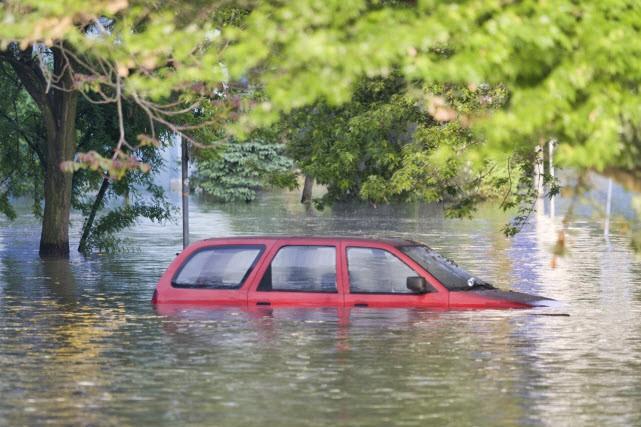 Des milliers de québécois ont fait face aux inondations. Et les pluies...