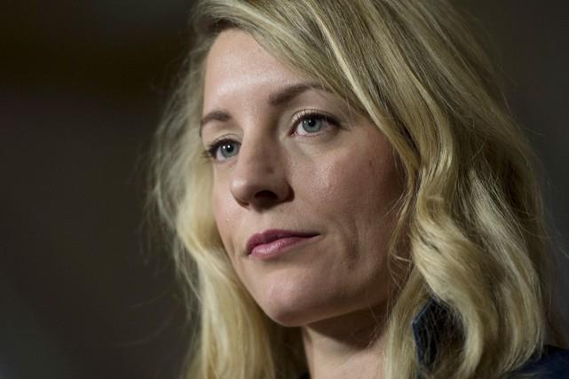 La ministre du Patrimoine, Mélanie Joly, répond aux... (La Presse Canadienne, Adrian Wyld)