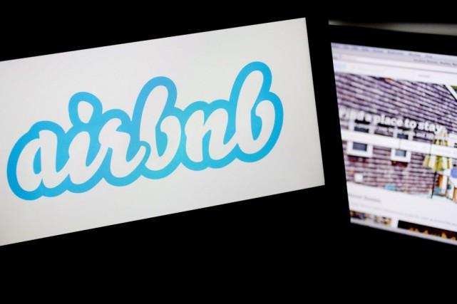 Airbnbsuscite notamment l'inquiétude des hôteliers qui l'accusent de... (PHOTO Andrew Harrer, Archives Bloomberg)
