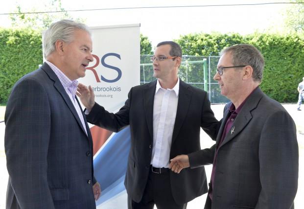 Bernard Sévigny, Sébastien Aubé et Jean Bernier passent... (Spectre Média, Maxime Picard)