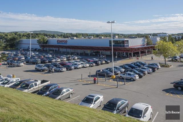 Le déménagement du Costco au Plateau Saint-Joseph a suscité beaucoup de... (archives la tribune)