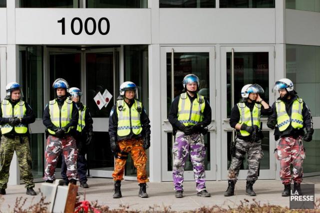 Des corps policiers ont porté au cours des... (Photo Alain Roberge, Archives La Presse)