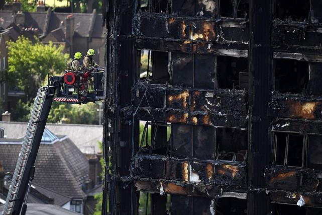 Le gouvernement a ordonné l'ouverture d'une enquête publique... (Photo Chris J Ratcliffe, AFP)