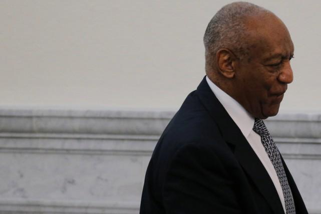 Le jury du procès de l'acteur américain Bill Cosby a entamé vendredi sa... (PHOTO REUTERS)