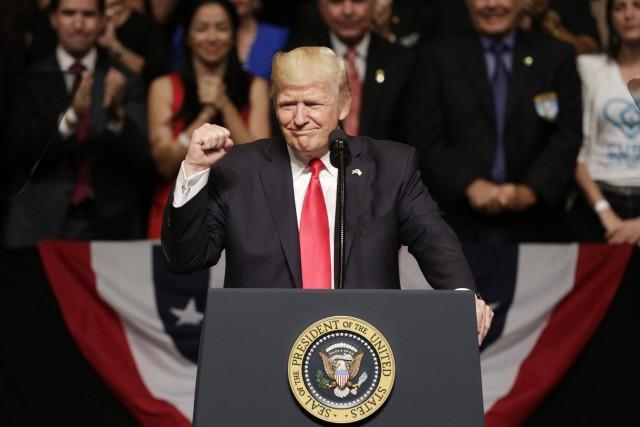 Le président américain Donald Trump a prononcé un... (Photo Lynne Sladky, AP)