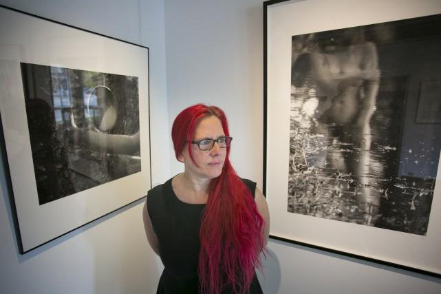 L'artiste Chantal Bonneville expose doublement toiles, photographies et... (Spectre Média, René Marquis)