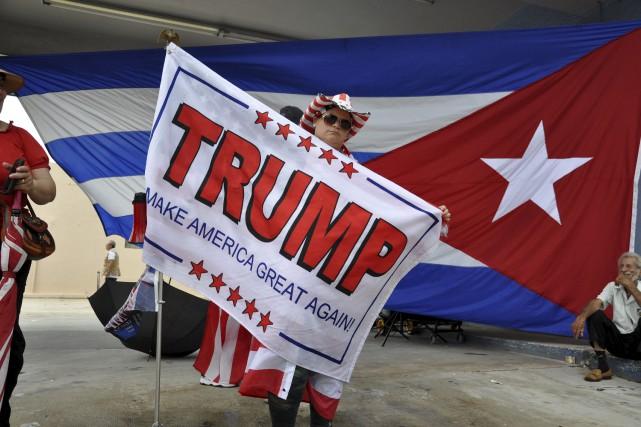 Des partisans de Donald Trump s'étaient déplacés pour... (Photo Jose Caruci, archives Agence France-Presse)