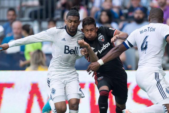 Sheanon Williams, à gauche, a étéaccusé de voie... (photo Darryl Dyck, La Presse canadienne)
