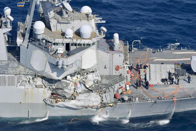 Le destroyer de la marine américaineUSS Fitzgeralda été... (AP, Iori Sagisawa/Kyodo News)