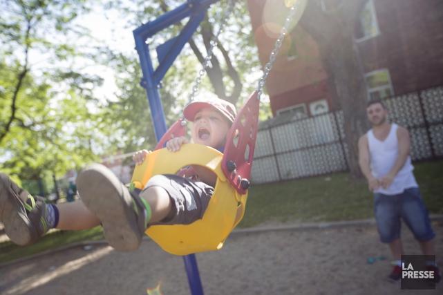 Depuis une quarantaine d'années, le rôle du père a beaucoup évolué. Les papas... (Photo La Presse)