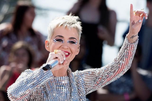 Katy Perry se positionne devant Justin Bieber sur... (PHOTO VALERIE MACON, ARCHIVES AGENCE FRANCE-PRESSE)