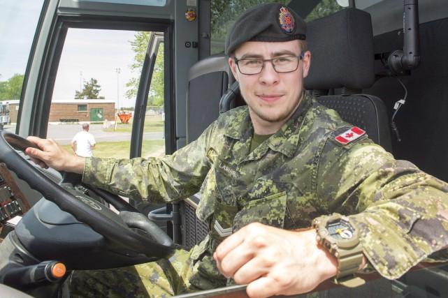 Vincent Lamarre, désormais soldat transgenre sur la base... (La Presse canadienne, Ryan Remiorz)