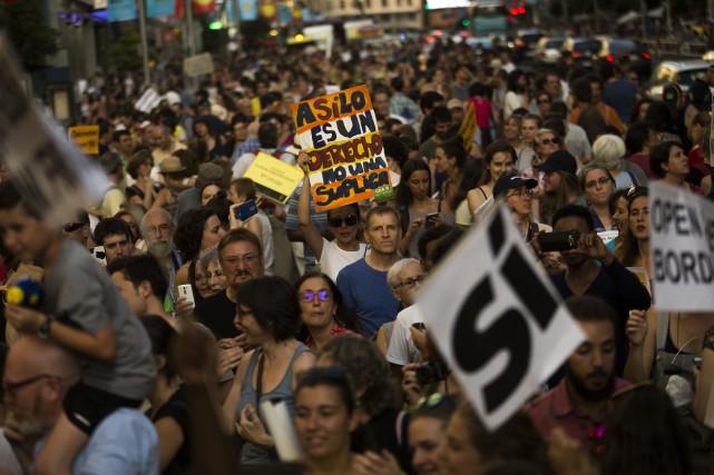 La manifestation était organisée par des ONG, dont... (PHOTO Francisco Seco, AP)