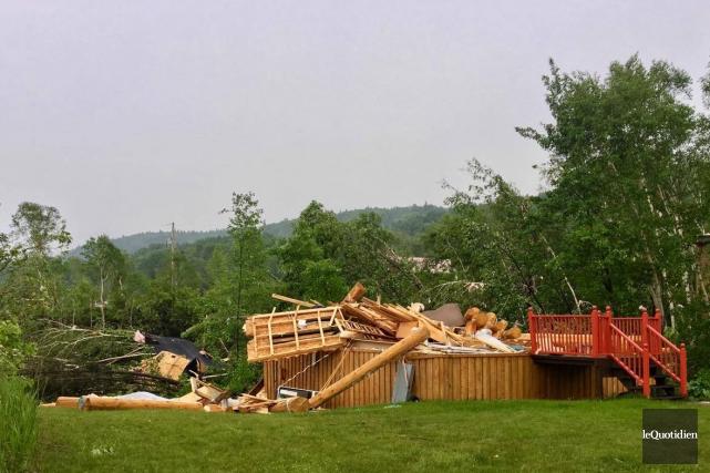 Une tornade a frappé le secteur d'Hébertville.... (Photo Le Quotidien, Gimmy Desbiens)