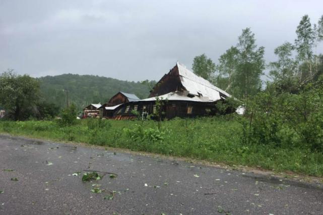 Maison détruite àSainte-Anne-du-Lac.... (Photo tirée du compte twitter de Météo Média)