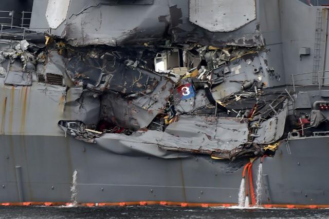 Une collision a atteint le USS Fitzgeraldcôté tribord... (PHOTO AFP)