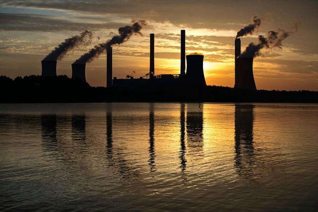 La centrale au charbon Scherer, située à Juliette,... (Photo Branden Camp, archives Associated Press)