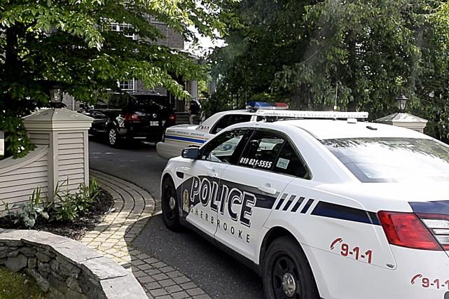 Le décès de l'enfant de 8 ans qui a été sorti inanimé d'une piscine de la rue... (Spectre Média, Maxime Picard)